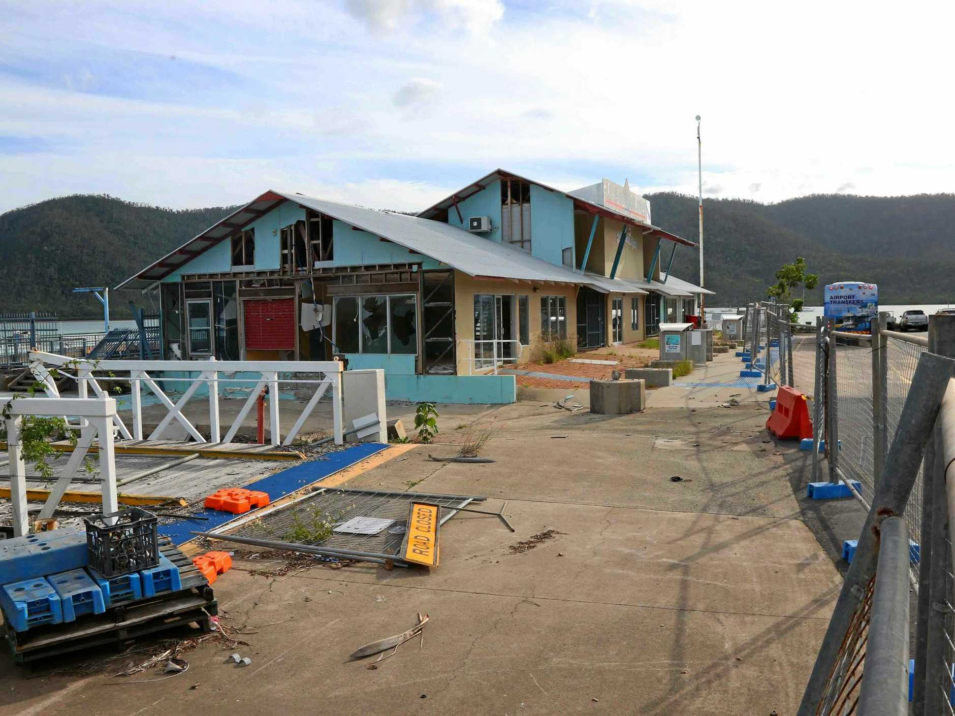 Mackay-based company Team Engineering Services Pty Ltd has been awarded the tender for the removal of the Lloyd Roberts Jetty at Shute Harbour.