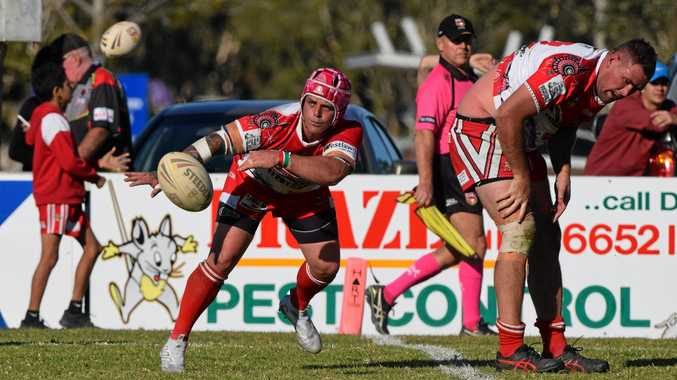 South Grafton Rebels hooker Rhys Walters passes from dummy half against the Coffs Harbour Comets. Group 2 rugby league 13 August 2017 Geoff King Motors Park