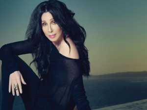 "Cher: ""Donald Trump is a thug"""