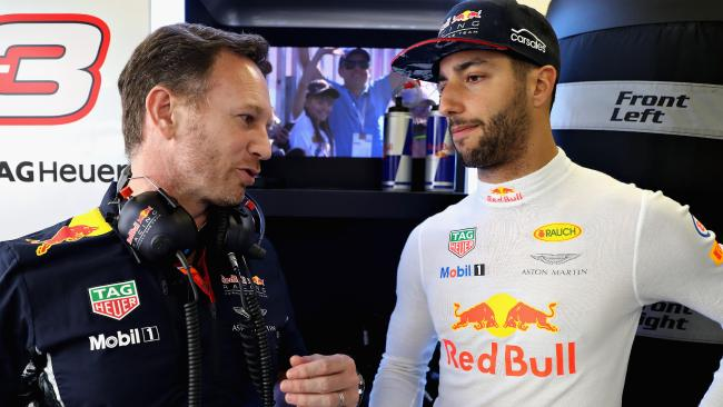 Christian Horner wants Ricciardo to ink a new deal.