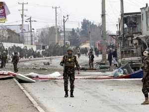 Kabul bomb blast strikes Aussie convoy
