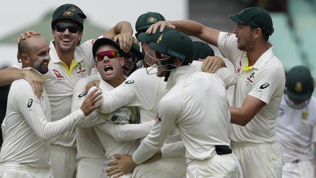 David Warner gives South Africa's batsmen an almighty spray.