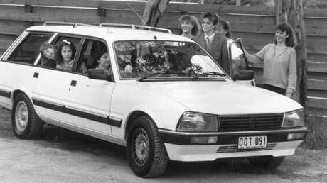 Family wagon: Peugeot 505.