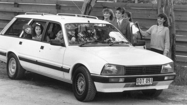 Family wagon: Peugeot 505.