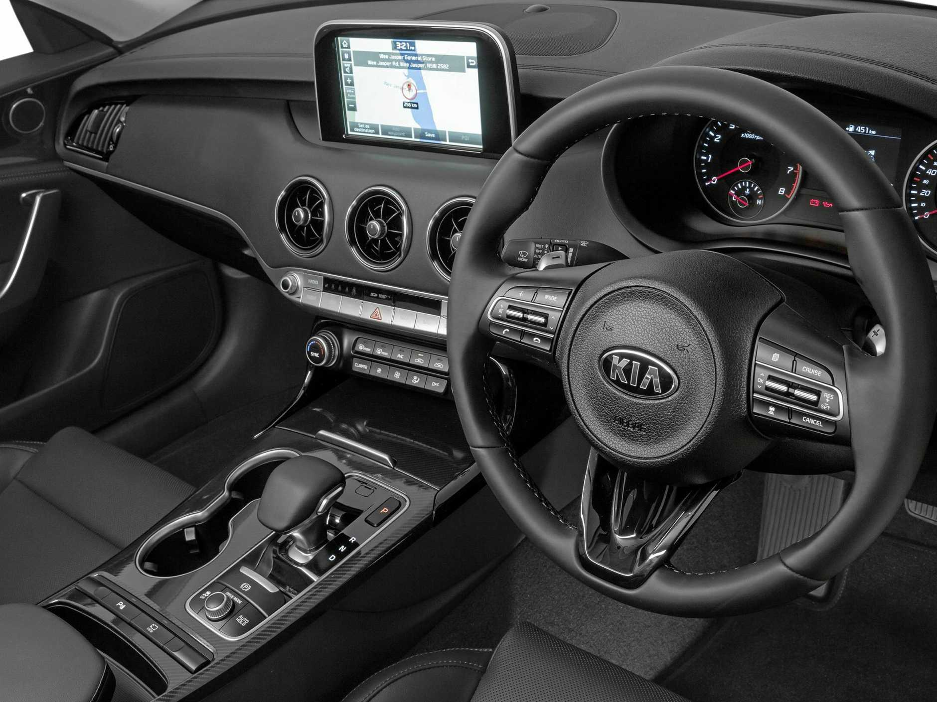 Inside the mid-range 2018 Kia Stinger Si.