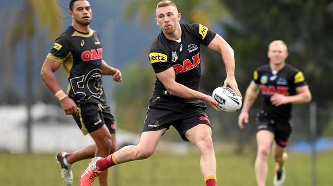 Penrith Panthers NRL player Bryce Cartwright (centre) takes part in a training session in Sydney on Wednesday, Sept. 14, 2016. The Panthers will play the Canberra Raiders in a Semi Final at GIO Stadium on Saturday, September 17. (AAP Image/Paul Miller) NO ARCHIVING