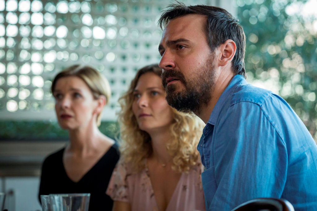 Jacqueline McKenzie, Leeanna Walsman and Ewen Leslie in a scene from Safe Harbour.