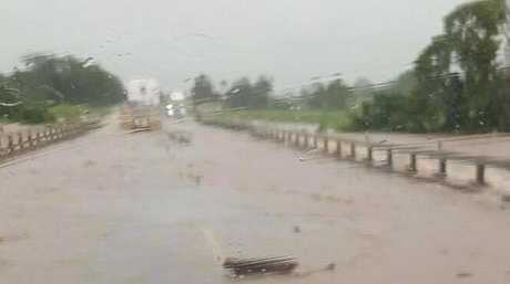bruce hwy closed  tourist hot spot towns cut   flood daily mercury