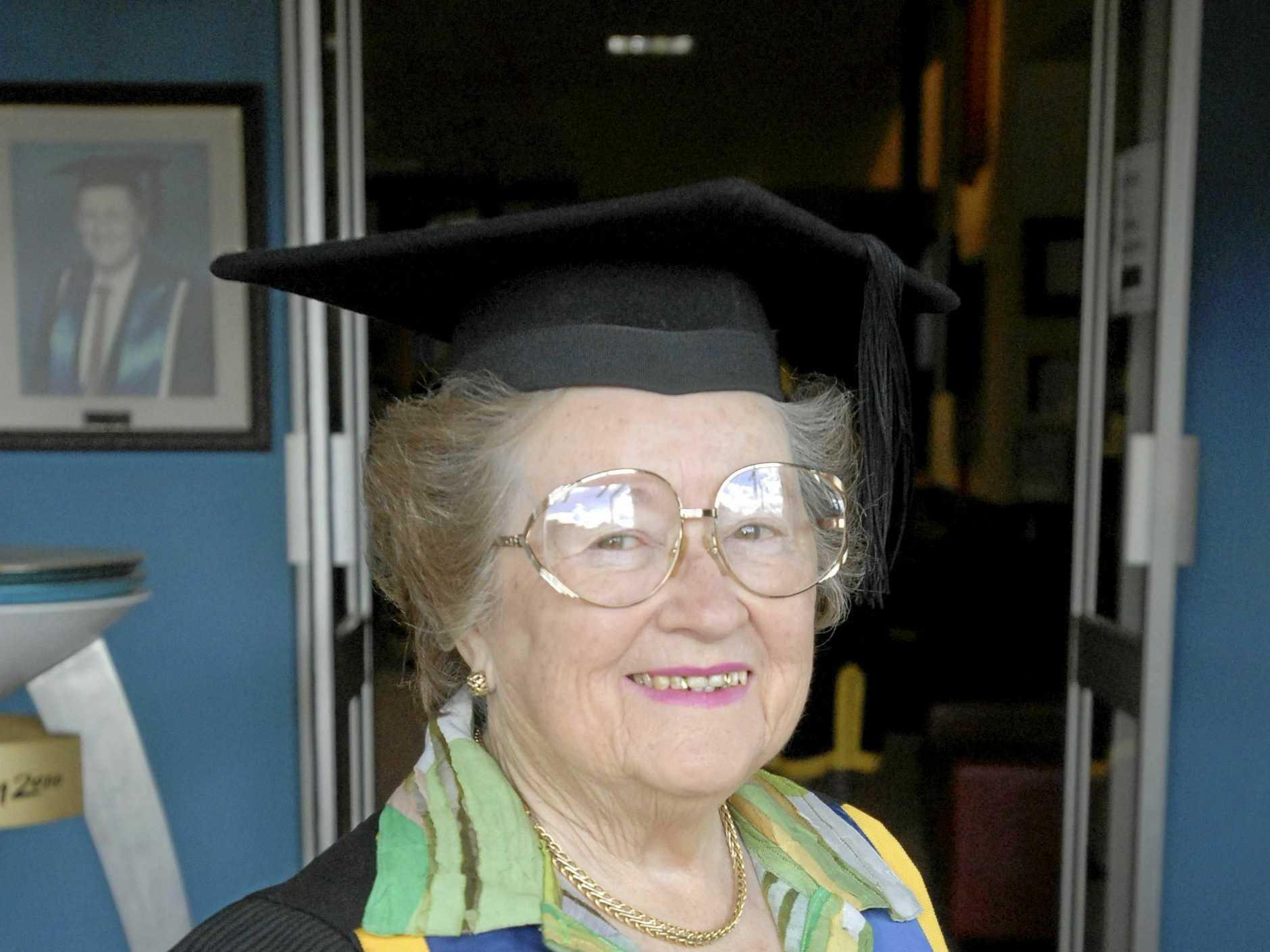 Dellys Kelly died aged 86.