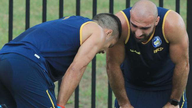 Mannah gives Hayne some encouragement in his return to Eels training. (Mark Evans/Getty Images)
