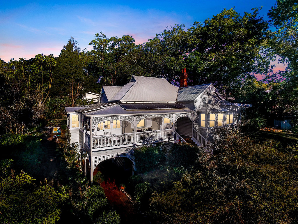 A historical late 1800s East Toowoomba home will be on display for the Garden City Zonta Grand Homes Tour.
