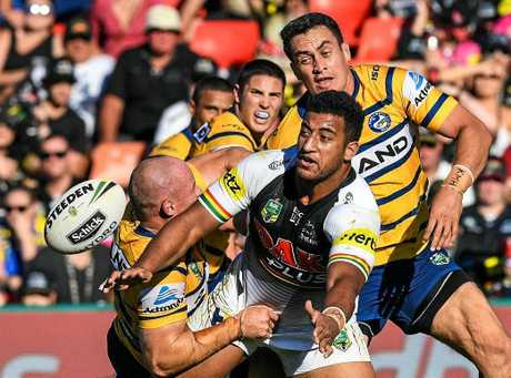 Viliame Kikau is back for the Panthers. (AAP Image/Brendan Esposito)