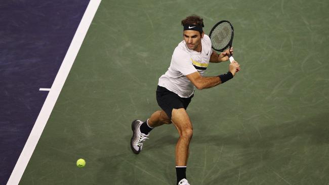 Roger Federer downs Federico Delbonis.
