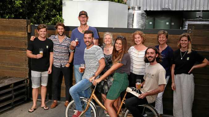 Trent McPherson from Stone & Wood Brewery (judge), Dan Smith from Clean Coast Collective (judge), Paul Harrington from Stone & Wood Brewery (judge), Denise Napier (judge from Byron Shire Public Art Panel), Julie Lipsett (judge from Byron Shire Public Art Panel), Joanne McMurty (Byron Shire Council), Sarah Blomkamp (Stone & Wood Brewery). From front, left - Dave Thompson (winner), Jess Leitmanis (from Stone & Wood Brewery (judge) and Luke Jones (winner).