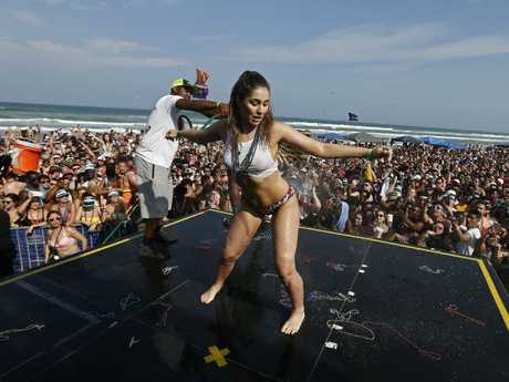 Getting their twerk on. Picture: EPA/Larry W. Smith