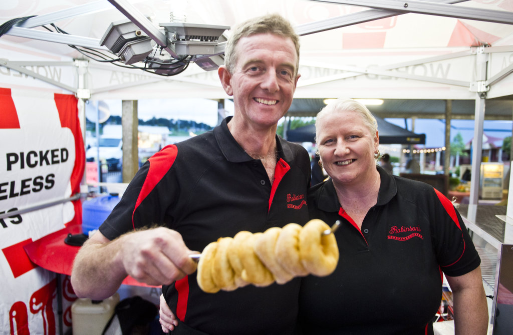 ( From left ) Mark and Karlene Robinson from Robbo's Donuts at the Crave Food Festival hosted by the Mary MacKillop Catholic College P&F Association. Saturday, 14th Oct, 2017.