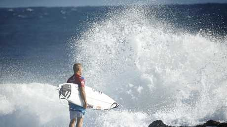 Mick Fanning has been eliminated at the Quiksilver Pro.