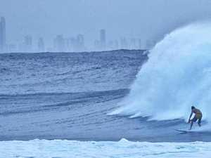 Wild surf at Snapper Rocks