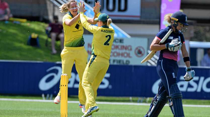 BATTING FOR GLORY: Alex Blackwell is hanging up her international cricket garb.