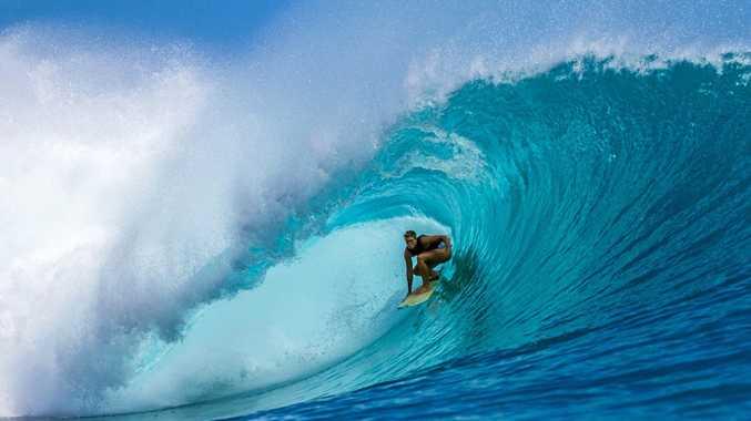 Tahlija Redgard surfing Kandui
