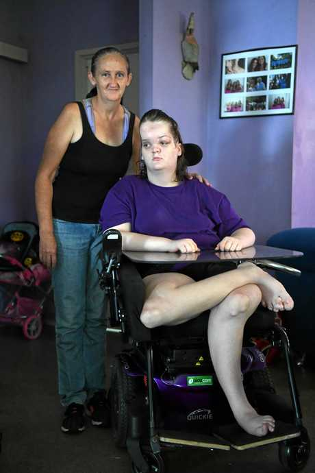 BRAVE TEEN: Wendy Punch with her daughter Tori Punch, whose neck bones are restricting her airways.
