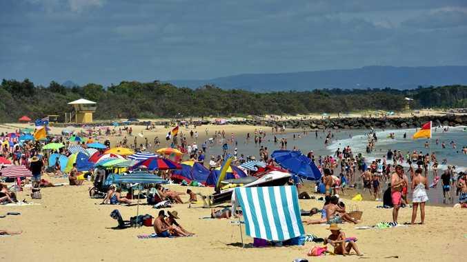 Holiday crowds flock to Noosa Main Beach.  Photo Geoff Potter / Noosa News