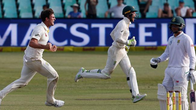 Australia's Mitchell Marsh (L) has been cleared of injury.