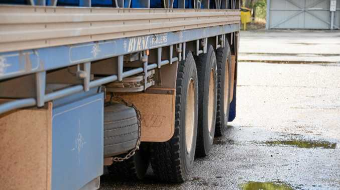 BE CAREFUL: Ensure truck and trailer are safely immobilised so there is no unintentional movement, which could cause damage, injury or death.