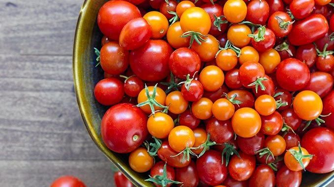 MATTER OF TASTE: A reader says it's hard to find a tasty tomato in Bundy.