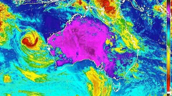 Tropical Cyclone Nora: Queensland on alert for destructive winds