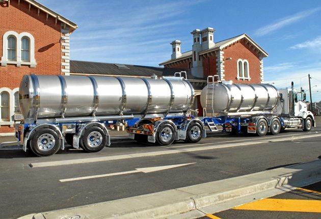 A 55 tonne B-Double truck.