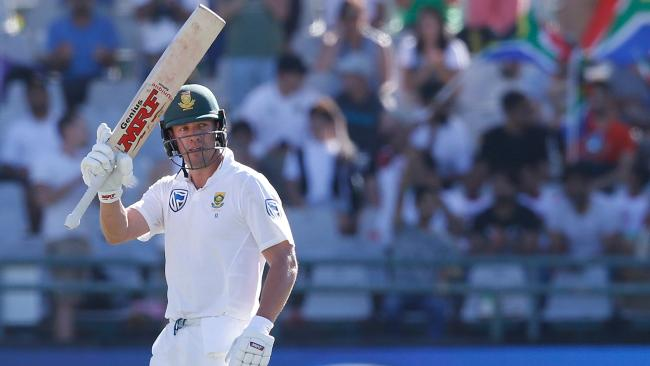 AB de Villiers maintained his run spree against the Aussies.