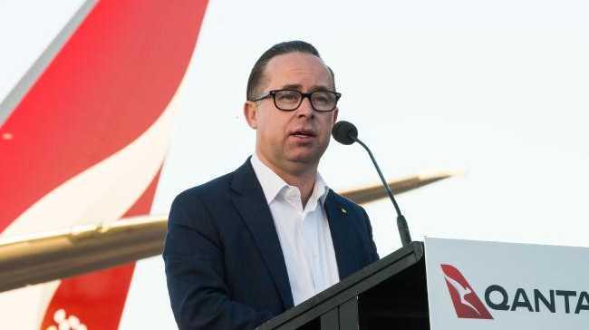 Qantas' first non-stop flight to UK takes off