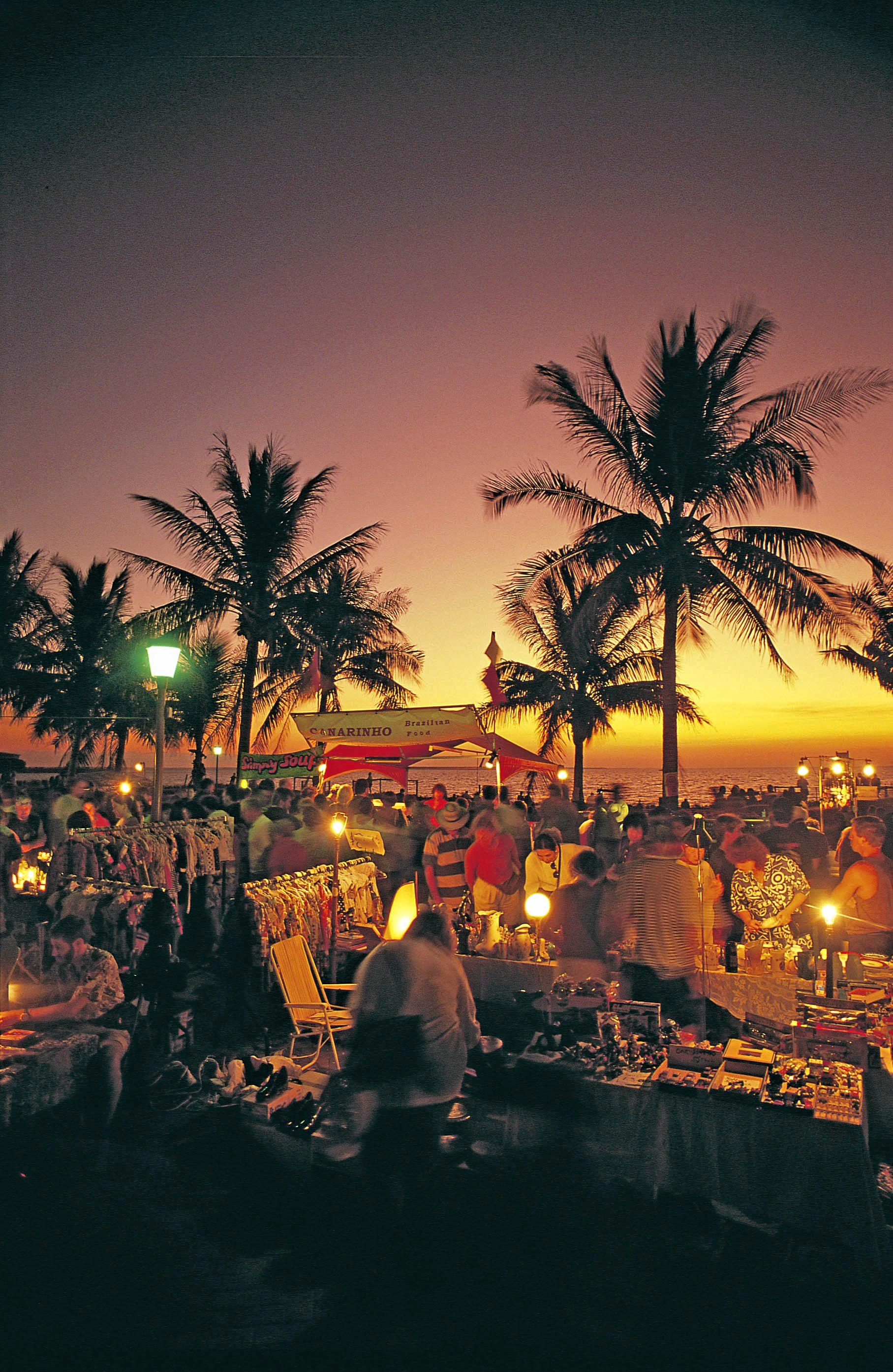 DISCOVER NT: The Mindil Beach Sunset Markets in Darwin.