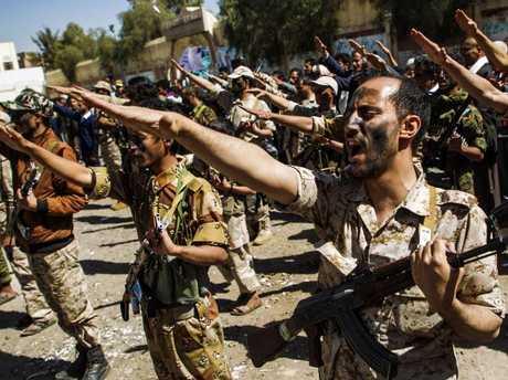 Saudi: Yemen army targets King Khalid International Airport in Riyadh
