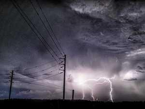 Thunderstorms and heavy rain to hit Coast today