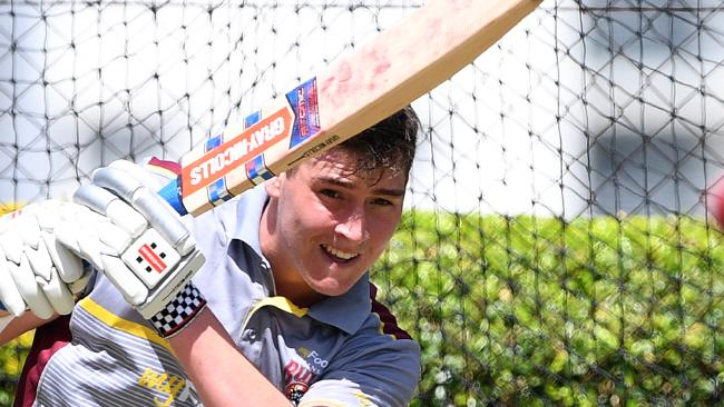 Matt Renshaw is back in favour with Australian selectors, albeit in disappointing circumstances. (AAP Image/Dave Hunt)