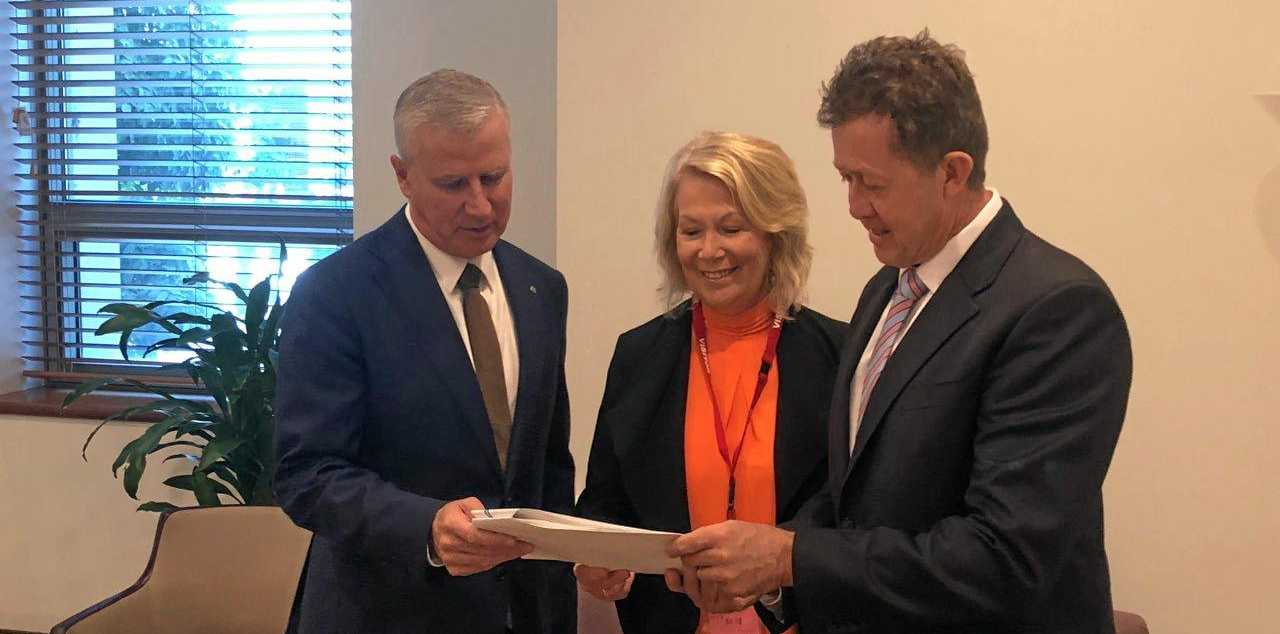 Deputy Prime Minister Michael McCormack meets with Coffs Harbour mayor Denise Knight and Member for Cowper Luke Hartsuyker.