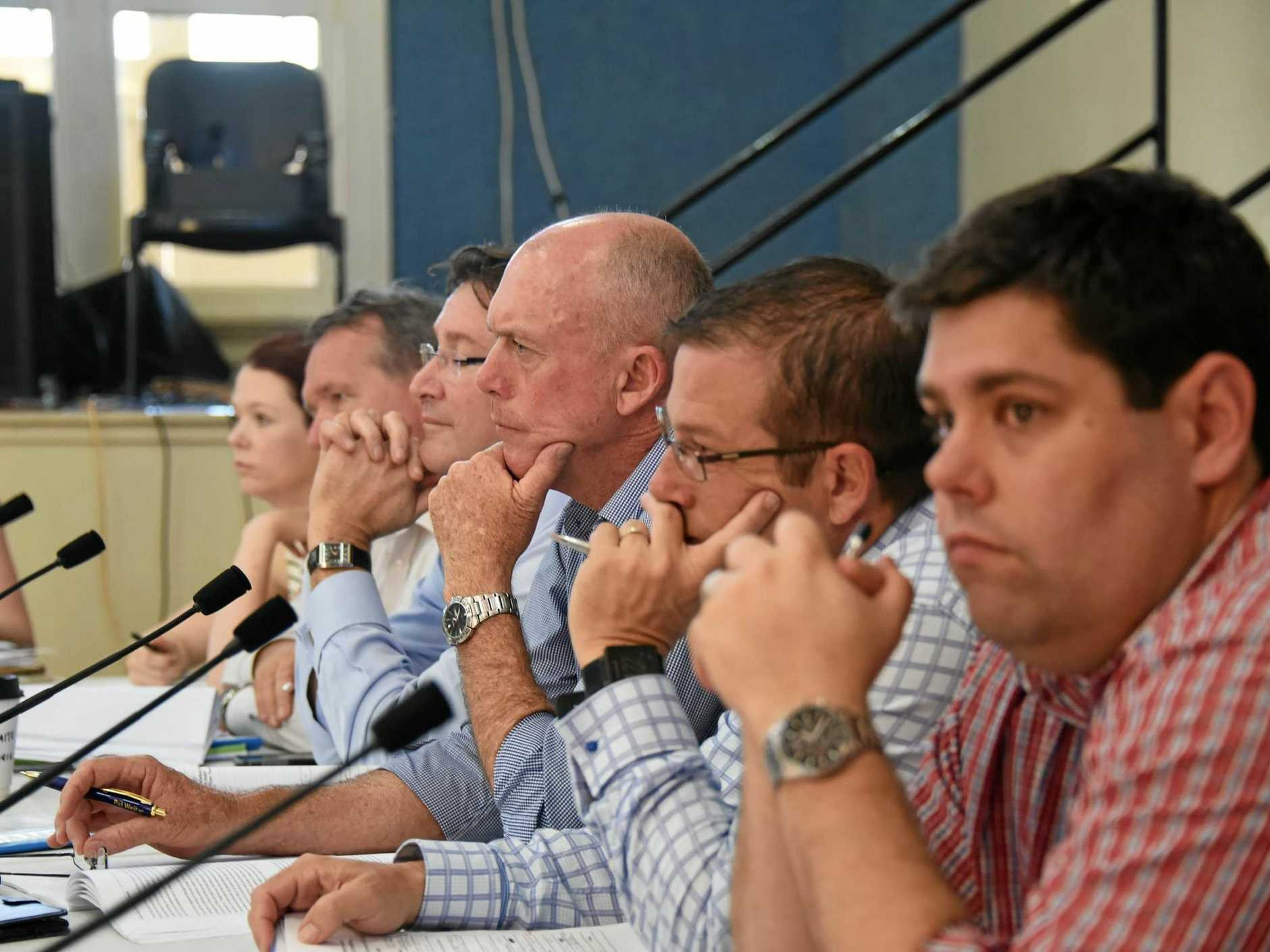 The committee listen to the speeches of sixteen local graziers, businessman and scientists during the hearing.