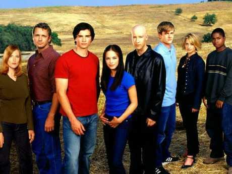 Cast of Smallville. (L-R) Annette O'Toole, John Schneider, Tom Welling, Kristen Kreuk, Michael Rosenbaum, Eric Johnson, Allison Mack and Sam Jones III. Picture: CW