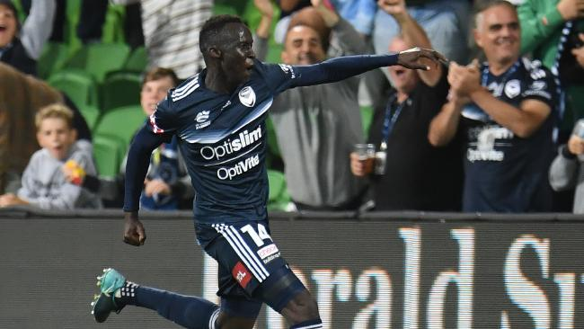 Melbourne Victory defender Thomas Deng celebrates his goal against Western Sydney Wanderers on Saturday night.