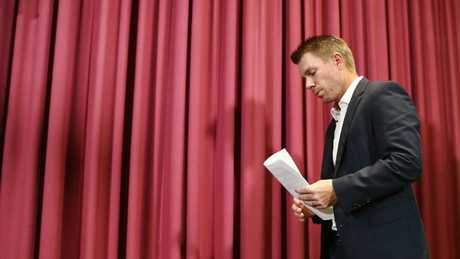 Warner 'seriously struggling' after ball-tampering scandal, says wife
