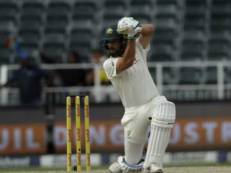 Du Plessis finds form, South Africa bat on in fourth Test