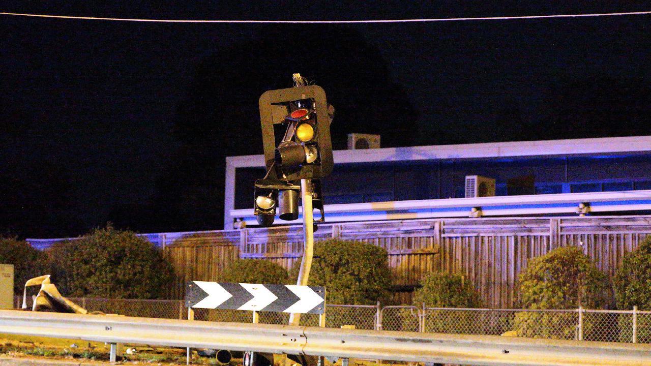 A damaged traffic light. Photo: Patrick Herve.