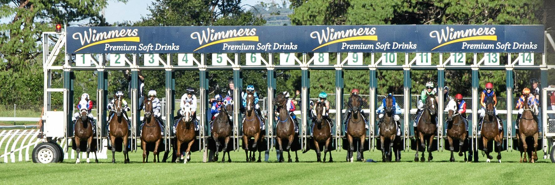Start of the 2018 Toowoomba Cup. Saturday, 7th Apr 2018.