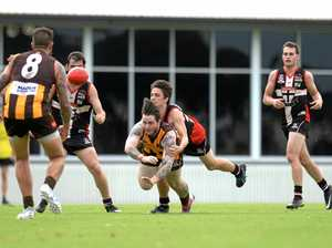 Saints march past Hawks in thumping