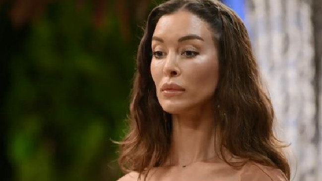 Laurina isn't in the mood for Daniel on Bachelor in Paradise. .