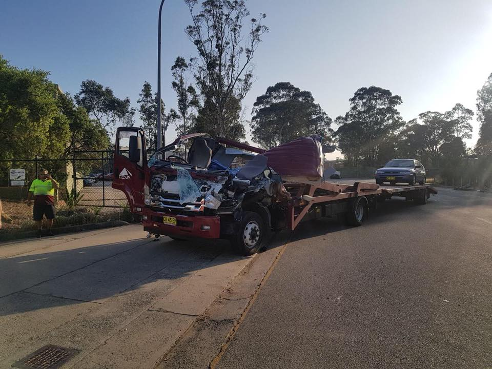 NSW police issued major defects and infringements after a rigid combination crashed into a trailer.