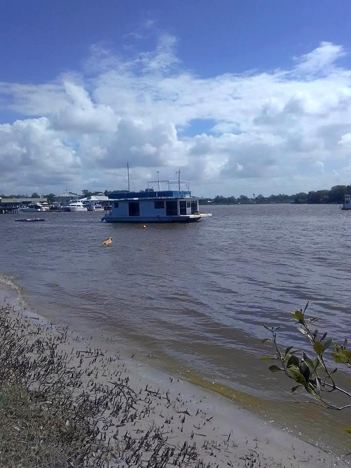 A 30-FOOT floating houseboat has gone rouge become a potentially dangerous hazard for Noosa River users.