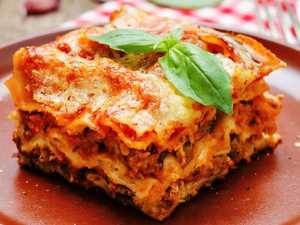 Woman sues over burning hot lasagne